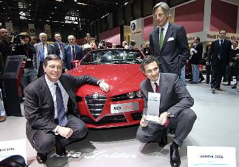 Foreground from left: 