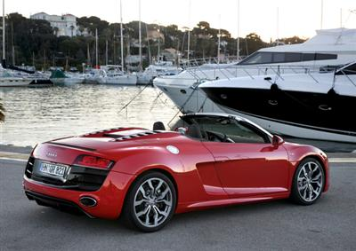 Audi R8 Spyder in Misano Red (copyright image)