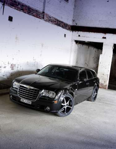 Chrysler 300C SRT8 Touring Project E490