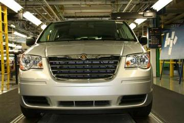 Chrysler Resumes Production of Grand Voyager (copyright image)