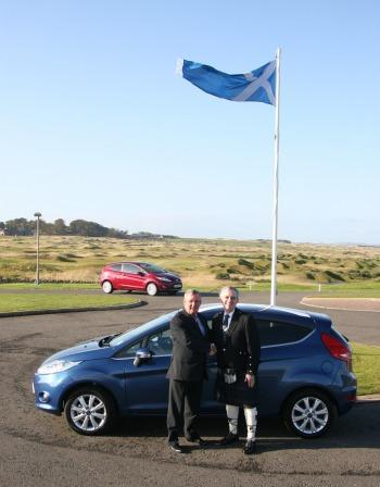 ASMW President Bill Caven (left) with Ian Slater, Vice-President Communications and Public Affairs for Ford Europe (right), 