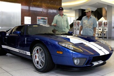 Hot rod cruisin' crooners Mike Love, left, and Bruce Johnston of the Beach Boys 