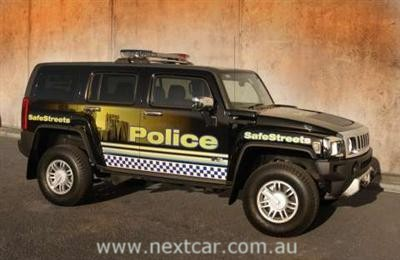 Hummer H3 in Victoria Police livery (image copyright: General Motors Corp.)