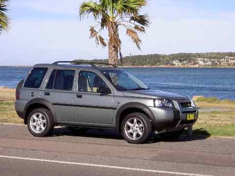 2004 Land Rover Freelander SE road test (copyright image)
