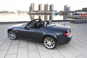 2009 Mazda MX-5 Roadster Coupe (copyright image)