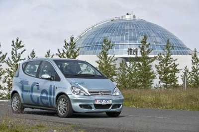 The Mercedes-Benz A-Class F-Cell is the first fuel-cell-powered passenger car in Iceland