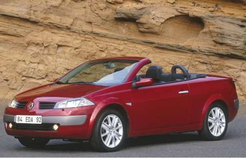 renault megane ii coupe cabriolet next car pty ltd 12th october 2004. Black Bedroom Furniture Sets. Home Design Ideas