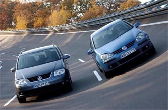 2005 Volkswagen Touran (left)  and Golf (right)