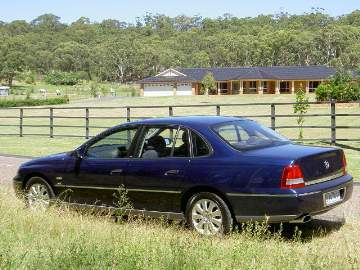 Holden Statesman (WL) road test (copyright image)