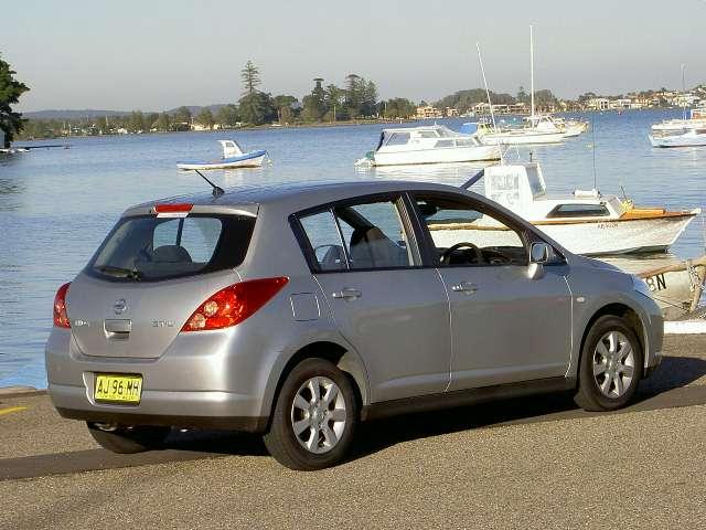 http://www.nextcar.com.au/rt.i.nissan.tiida.stl.r.r.00.60.06sep.JPG