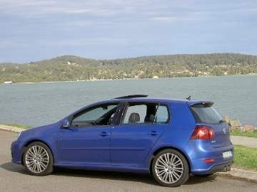 Volkswagen Golf R32 road test